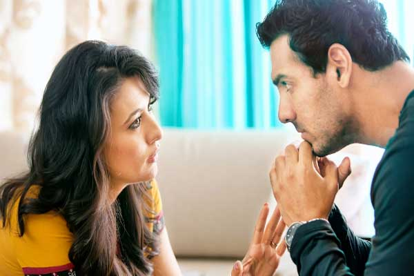 i-me-aur-main-mini-mathur-and-john-abraham
